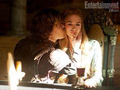 Tyrion Lannister (Peter Dinklage) and Queen Cersei Baratheon (Lena Headey) S02