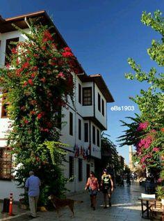 Tarihi Anadolu Evleri Kaleiçi – 2020 World Travel Populler Travel Country Beautiful Streets, World's Most Beautiful, Beautiful Places, Turkish Architecture, Urban Architecture, Turkey Photos, Travel Route, Urban City, Turkey Travel