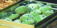 Tak hanya bisa disajikan dalam bentuk minuman, green tea juga bisa dinikmati dalam bentuk cookies lho. Yuk kita praktekkan resep berikut.