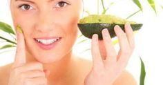 Avocado Mask for glowing skin. Pamper your skin with an avocado mask that can be prepared at home. Natural Beauty Tips, Natural Hair Care, Natural Skin, Natural Oils, Natural Glow, Natural Cures, Organic Beauty, Healthy Women, Healthy Skin