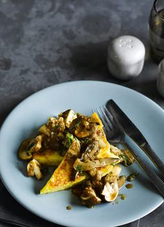 Gorgonzola-polenta wedges with madeira mushrooms. Gorgonzola wedges are the perfect family party food. A quick, cheesy side ready in under 20 minutes, these wedges come served with madeira mushrooms and crème fraîche.