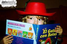 LEYENDO AL GATO.  Realizamos BOOKS FOTOGRÁFICOS INFANTILES para tu hij@.  Solicita presupuesto sin compromiso.  fotoalavista@alavistacreatividad.com