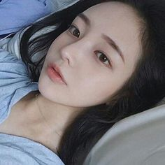 Ulzzang Korean Girl, Cute Korean Girl, Son Hwamin, Hwa Min, Uzzlang Girl, Ethereal Beauty, Jawline, Foto E Video, Wattpad