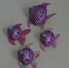bricolage facile enfant récupération coquillage et poisson, août 2010
