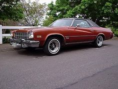 1975 Buick Regal Pictures: See 1 pics for 1975 Buick Regal. Browse interior and exterior photos for 1975 Buick Regal. American Classic Cars, Old Classic Cars, Vintage Cars, Antique Cars, Vintage Trains, Buick Cars, Buick Electra, Buick Century, Buick Skylark
