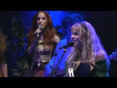 Blackmore's Night - Under A Violet Moon (Live in Paris 2006) HD - YouTube