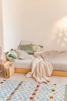 Stitched Jacquard Reversible Bed Blanket   Urban Outfitters