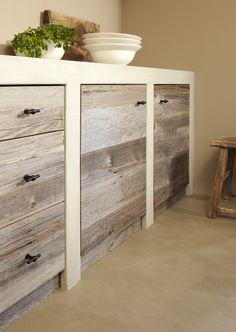 Vergrijsd hout met beton-ciré   ÇA-VA! INTERIEUR