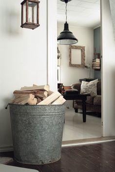 >> 10 Indoor Firewood Storage Concepts