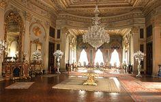 antika makyaj masası - Google'da Ara Peles Castle, Baroque Architecture, Manor Houses, Chateaus, Palaces, Versailles, Villas, Castles, Interior And Exterior