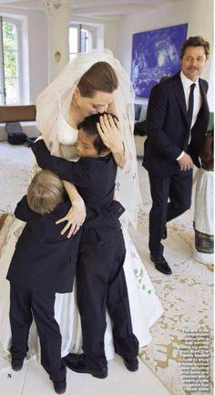 WORLD EXCLUSIVE!!! Brad Pitt E Angelina Jolie: ecco le FOTO mai viste del magazine HELLO!