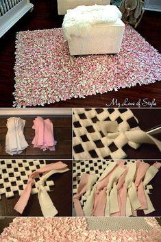Check out the tutorial: #DIY Rag Rug #crafts #homedecor #DIYArtsandCrafts
