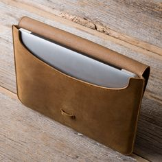 Macbook Case in tobacco brown