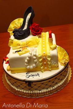 Diva cake or girlie cake.  Yellows!
