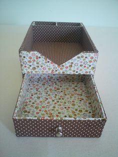 Cartonagem par guardar papeles en el escritorio
