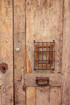 ❤ wooden door