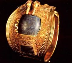 Egypt Picture - Gold Bracelet of Ramesses II