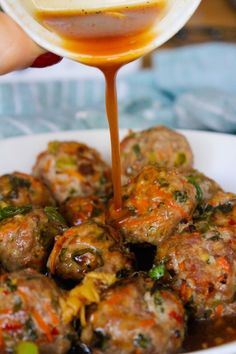 PALEO THAI MEATBALLS SAVE PRINT PREP TIME 5 mins COOK TIME 25 mins TOTAL TIME 30 mins Baked Thai meatballs packed with fresh flavors and paired with a simple chili sauce. Low FODMAP & Paleo approved. Author: Sarah Rose Serves: 3-4 servings INGREDIENTS FOR THE MEATBALLS 1 lb. ground turkey or chicken 1 large (about ½ cup) shredded carrot 2 tablespoons fresh parsley chopped 1 red chili chopped ¼ cup green onion, chopped (green parts only for Low FODMAP) + more for garnishing 2 tbsp fres...