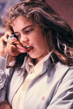 Heather Langenkamp as Nancy Thompson/Herself in A Nightmare on Elm Street ; A Nightmare on Elm Street Dream Warriors ; Wes Craven's New Nightmare Freddy Krueger, Scary Movies, Horror Movies, Funny Horror, 80s Movies, Street Film, Image Film, Slasher Movies, Grunge