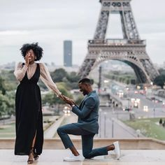 From taking a ring selfie to narrowing down the guest list, here are 18 things to do to kickstart your wedding planning process Wedding Tips, Luxury Wedding, Wedding Engagement, Engagement Photos, Dream Wedding, Destination Wedding, Wedding Details, Wedding Reception, Engagement Outfits