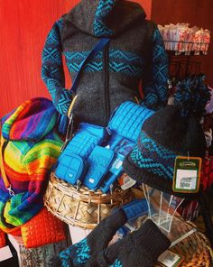 We have new Fall fashion arrivals in the Canada Trading Company for 2015. Come and check out what we have to offer you -- from neutral tones to bold patterns. http://www.cliftonhill.com/shopping/canada-trading #CliftonHill #NiagaraFalls #WomensFashion #Shopping