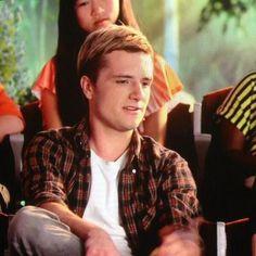 ❤ (Josh Hutcherson) just look at him. He's perfect