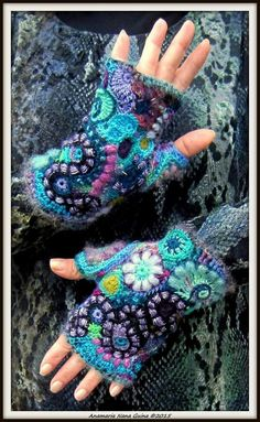 Crochet Fingerless Gloves Knitted, Crochet Gloves, Knit Mittens, Love Crochet, Diy Crochet, Knitting Patterns, Crochet Patterns, Crochet Bracelet, Freeform Crochet