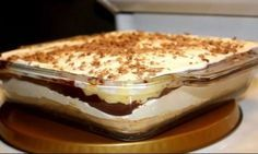 """Prăjitura """"sex la tavă"""" este o plăcere pe care nu trebuie să ți-o refuzi. Romania Food, Hungarian Recipes, Sweet Tarts, Food Cakes, Greek Recipes, Seitan, Frappe, Cheesecake Recipes, Cheesecakes"""