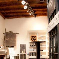 """Temporary Store Milano: spazio Corte Madonnina, situata in Via Madonnina,isola pedonale,location dal contesto """"Vecchia Milano"""" in cui è inserita."""