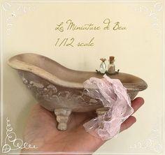 1/12 bathtub romantique victorian style handmade in ceramic dolls house miniatures 17x7cm.