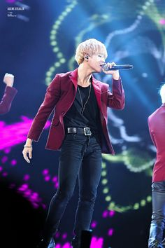 Jimin blond hair this is beautiful -K
