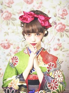 The Kimono Gallery — japaneseaesthetics: Two Pheasants. Kimono Japan, Japanese Kimono, Japanese Girl, Japanese Culture, Yukata, Geisha, Chica Gato Neko Anime, Cute Kimonos, Mode Kimono