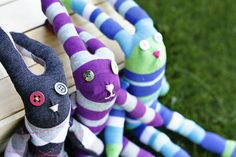 Ideensammlung site - sock... bunnies? adorable.