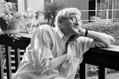 A portrait of David Hockney in Los Angeles, 1982.