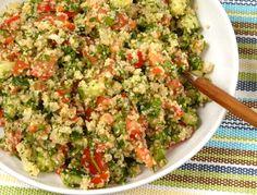 Tabbouleh är en sallad med bulgur, tomat, persilja och gurka. Bulgursallad är nyttigt, gott och fräscht som tillbehör till det mesta.