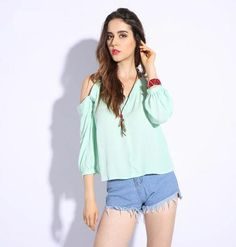 Summer T shirt Women Off Shoulder V-neck T-shirts Crinkle White Tops Casual Split Spaghetti Strap Tshirt