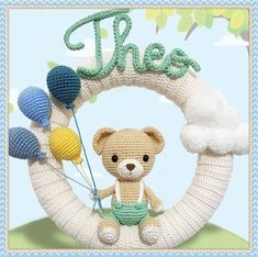 "Pattern ""Theo Bear - Wreath"" Amigurumi PDF (English and Portuguese-BR) Crochet Bear, Crochet Animals, Crochet Toys, Baby Kranz, Crochet Wreath, Do It Yourself Baby, Crochet Hook Sizes, Easy Crochet Patterns, Stuffed Animal Patterns"