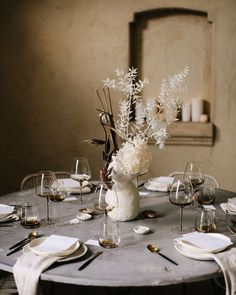 One of our favorite tablescapes by stylist & featured in our Byron Bay Wedding Guide coming soon. Table Setting Inspiration, Wedding Inspiration, Wedding Ideas, Byron Bay Weddings, Ceramic Tableware, Wedding Table Settings, Dining Room Design, Wedding Supplies, Event Decor