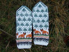 Ravelry: Strikkeheggland's Winter Foxes