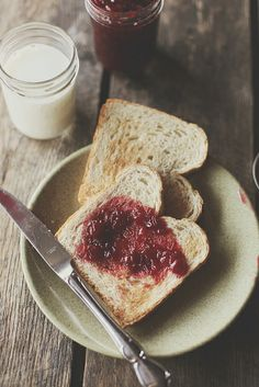 Breakfast by hannah * honey & jam, via Flickr.