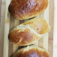 Ψωμάκια αφρός για... όλες τις χρήσεις.!!!! συνταγή από Athina K. - Cookpad Hamburger, Bread, Food, Brot, Essen, Baking, Burgers, Meals, Breads
