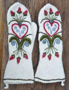 Ullcentrum Mitten Gloves, Mittens, Stick O, Swedish Embroidery, Yarn Inspiration, Wool Felt, Felted Wool, Scandinavian Christmas, Fingerless Gloves