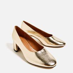 Image 4 of MID HEEL LAMINATED SHOES from Zara