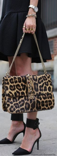 Leopard Accessories, ankle high heel pumps and basic little black dress (fall street style)