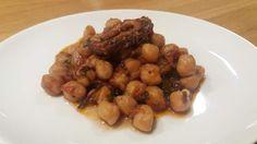 Χταπόδι με ρεβίθια στο ταβά. Όσπρια και χταποδάκι σε Αγιορίτικη συνταγή! Beans, Chicken, Vegetables, Recipes, Food, Essen, Vegetable Recipes, Meals, Eten