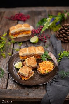 Hoisin Miniburger mit  Karotten Limetten Slaw, Miniburgerrezepte, Burgerrezeptideen, Burger mit  Gemüse, Miniburgerbrötchen, Snack Rezepte, Snackideen, Rezepte mit Faschierten,   Party Snack Ideen, schnelle Snackrezepte,  einfache Rezepte, Mini Burger, einfache Snacks, trendy Burger Rezepte, Miniburger  selber machen, saftige Miniburger, mini burger recipes, simple burger ideas,  burger for party, snack ideas Food Blogs, Snacks Für Party, International Recipes, Creative Food, French Toast, Mexican, Easy Peasy, Breakfast, Ethnic Recipes