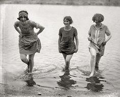 1924-Girls Gone Wild    Girls modeling swim suits in Washington.
