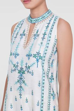 Shop from an exclusive range of luxurious wedding dresses & bridal wear by Anita Dongre. Bring home hand-embroidered wedding wear in colors inspired by nature. Neckline Designs, Dress Neck Designs, Sari Blouse Designs, Kurta Designs, Indian Wedding Outfits, Indian Outfits, Wedding Dresses, Embroidery Suits Design, Hand Embroidery