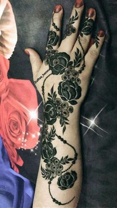 Cute Henna Tattoos Designs Images Gallery - Best Cute Henna Tattoo Designs Pictures on Hand for Girl. New collection henna design with cute design Latest Henna Designs, Floral Henna Designs, Finger Henna Designs, Arabic Henna Designs, Mehndi Designs For Fingers, Modern Mehndi Designs, Beautiful Henna Designs, Henna Tattoo Designs, Arabian Mehndi Design