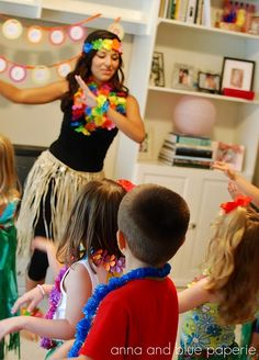Aloha, Hawaiian {Goodbye} Summer Birthday Party - Kara's Party Ideas - The Place for All Things Party Hawaiian party ideas with party activities, a paper leis craft station, hula lessons & a tiki piñata. Hawaiian Birthday, Luau Birthday, Summer Birthday, 6th Birthday Parties, Girl Birthday, Hawaiian Theme, Hawaiian Luau, Birthday Stuff, Aloha Party